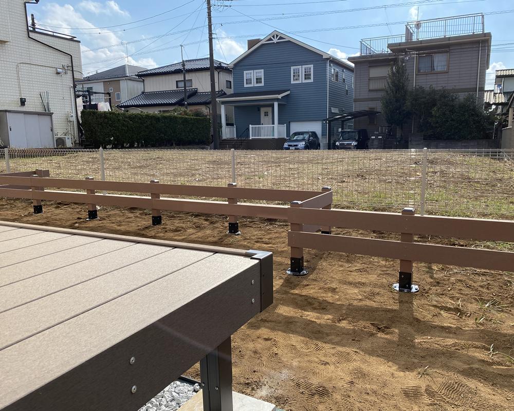 花壇フェンスの設置