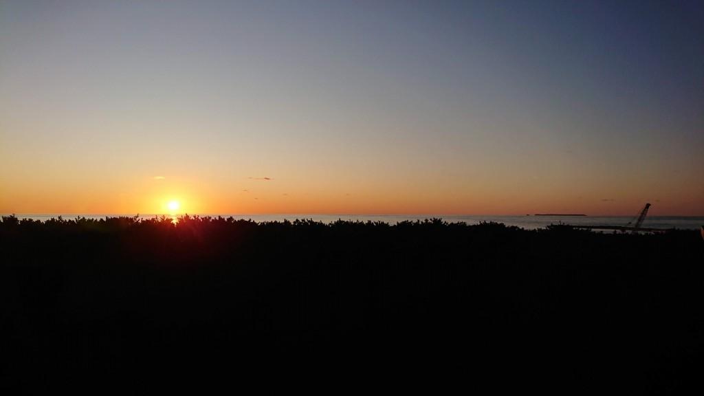 pm16:37 宿泊部屋からの日本海