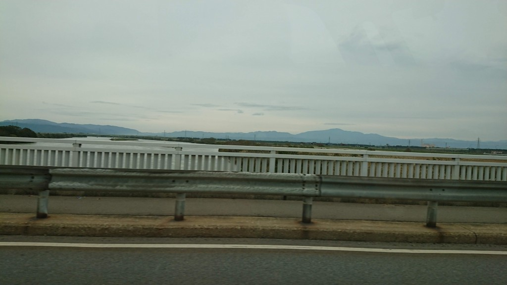 am10:19 最上川を見ながら