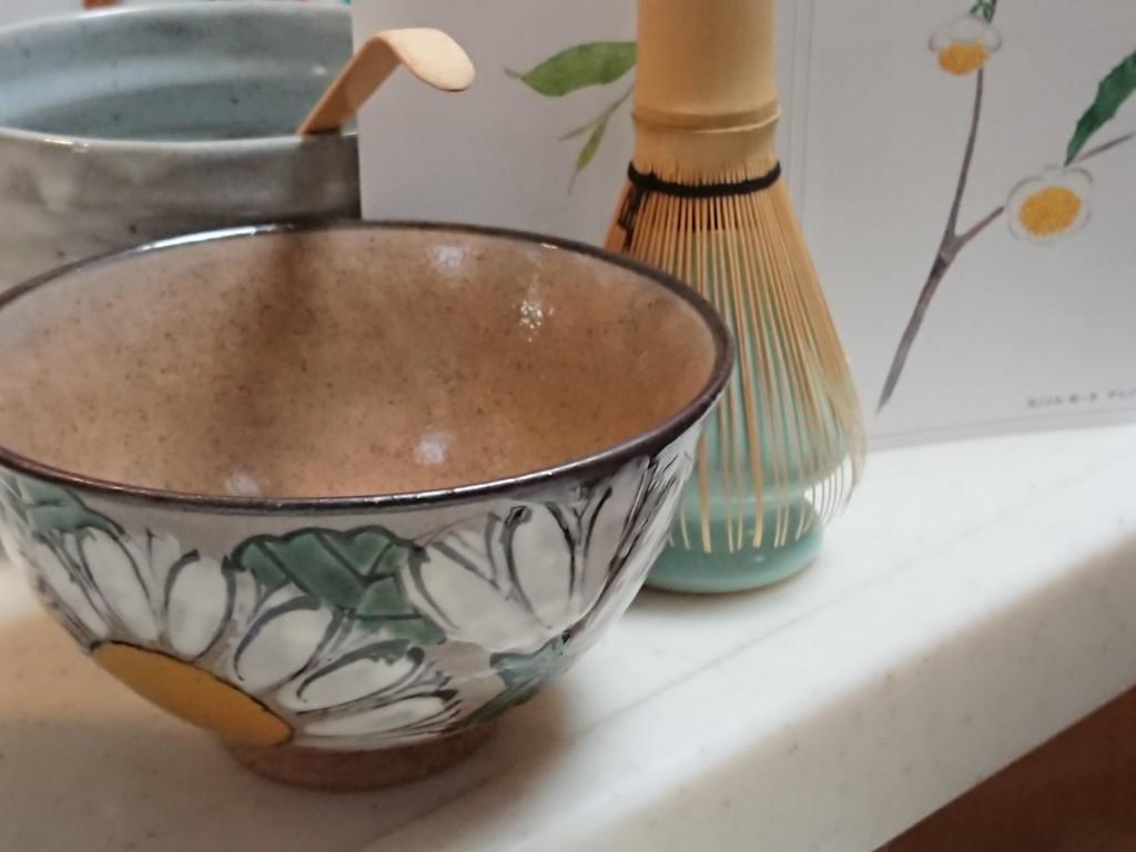 唐津焼き 菊の花柄 抹茶碗