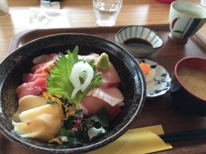 瀬戸市場 海鮮丼
