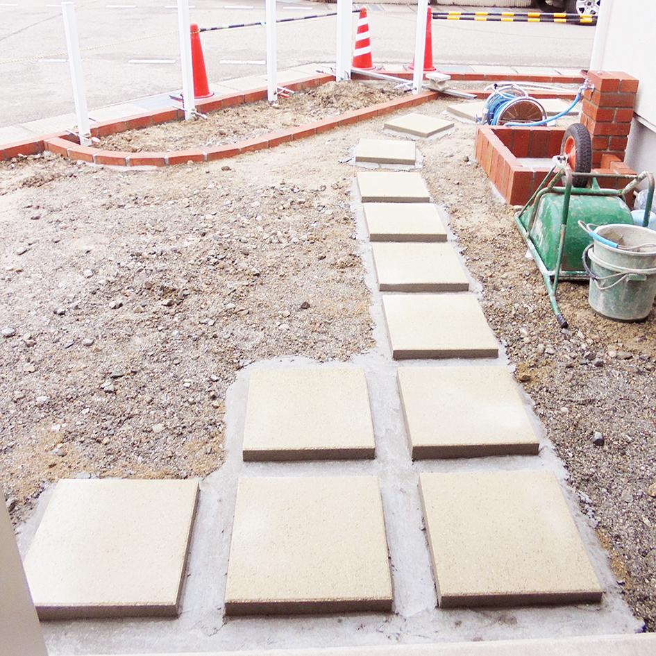 カラー平板敷き