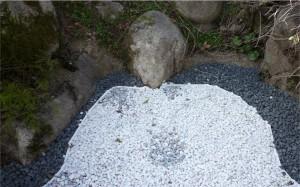 広島県広島市西区、大竹市で防草シート、砂利敷きは塩田剪庭園