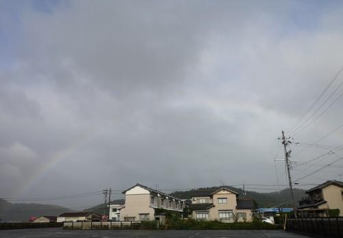 台風の後の虹