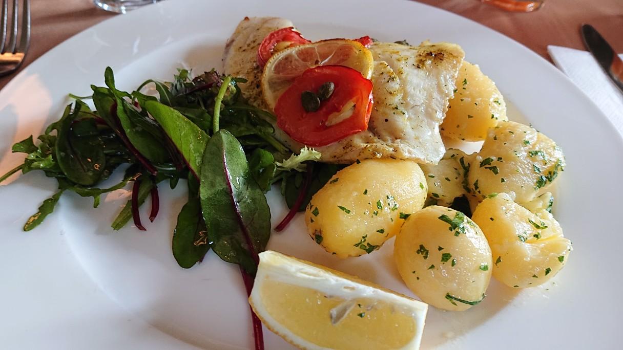 ラウッド・ランチ魚料理